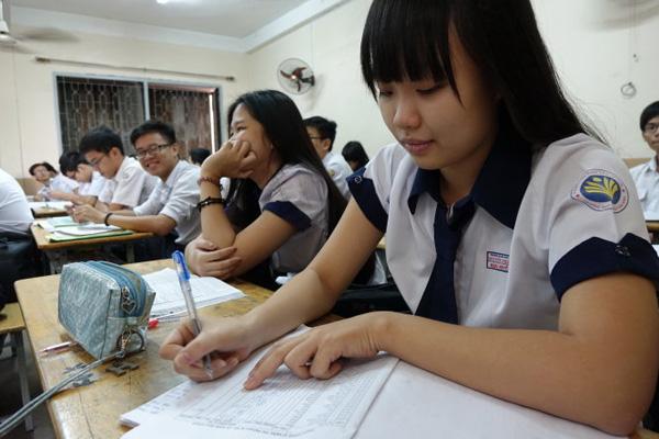 Đọc bài và tăng cường làm đề thi thử