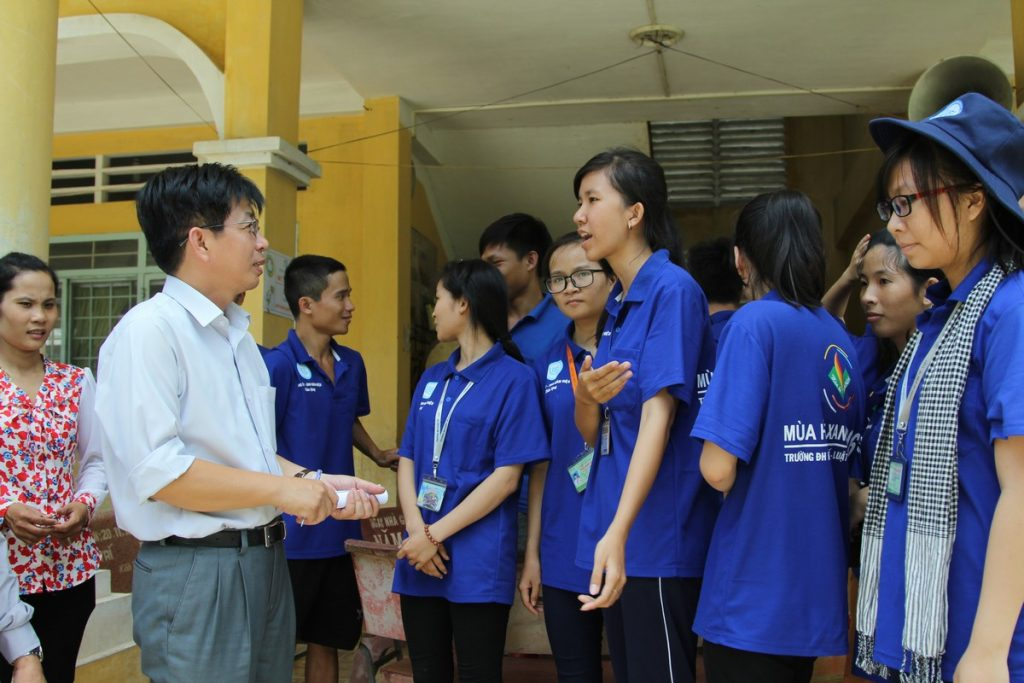 Cơ hội và thách thức của sinh viên các ngành kinh tế