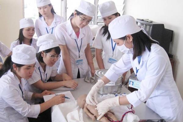 Những điều cần biết khi học Dược sĩ cao đẳng?
