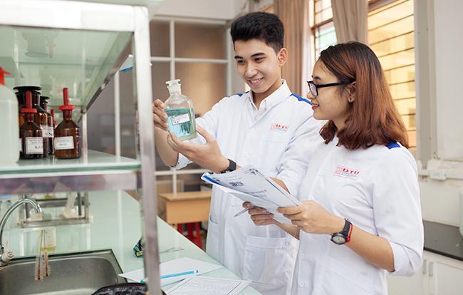 Có nên học ngành dược năm 2019 không?